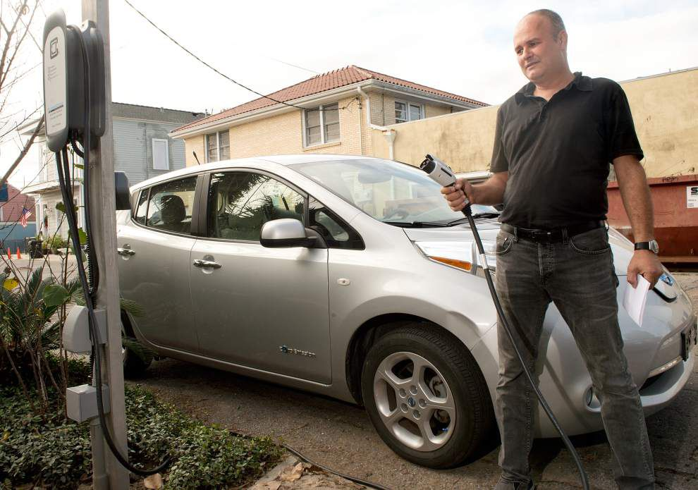 City tells Algiers Point man to remove his electric vehicle charger, at least for now _lowres