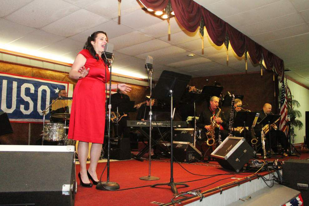 Riveting USO-style show honors vets _lowres