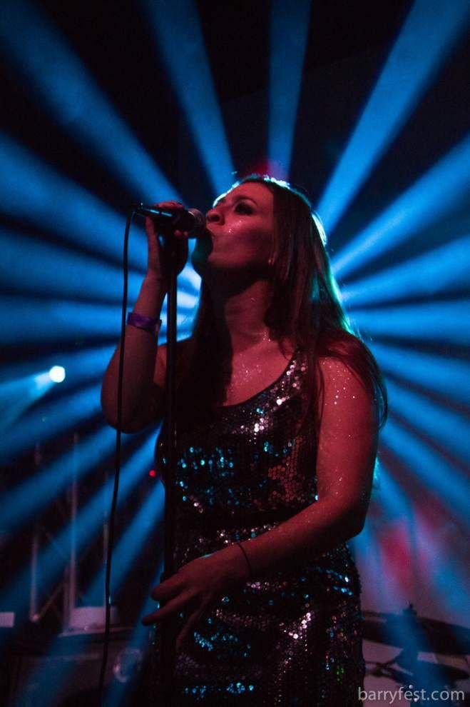 Alex Rawls: Sarah McLachlan marks a comeback at the Saenger _lowres