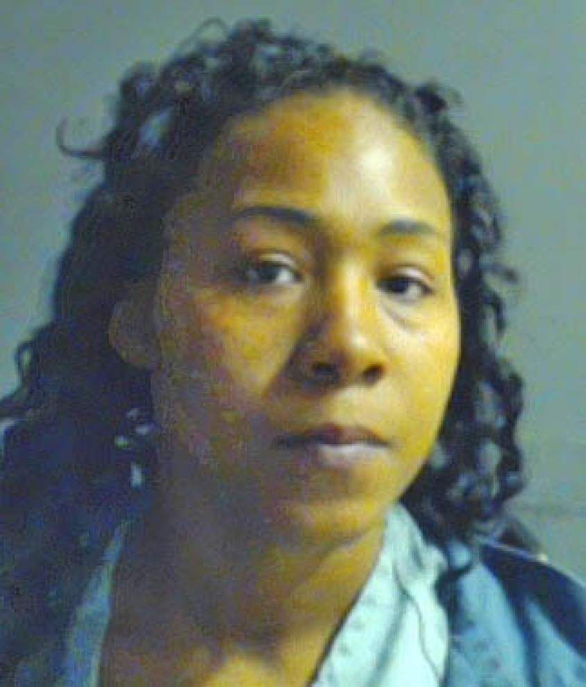 Baton Rouge woman acused of hitting one person with tire iron and attempting to run over second with vehicle _lowres