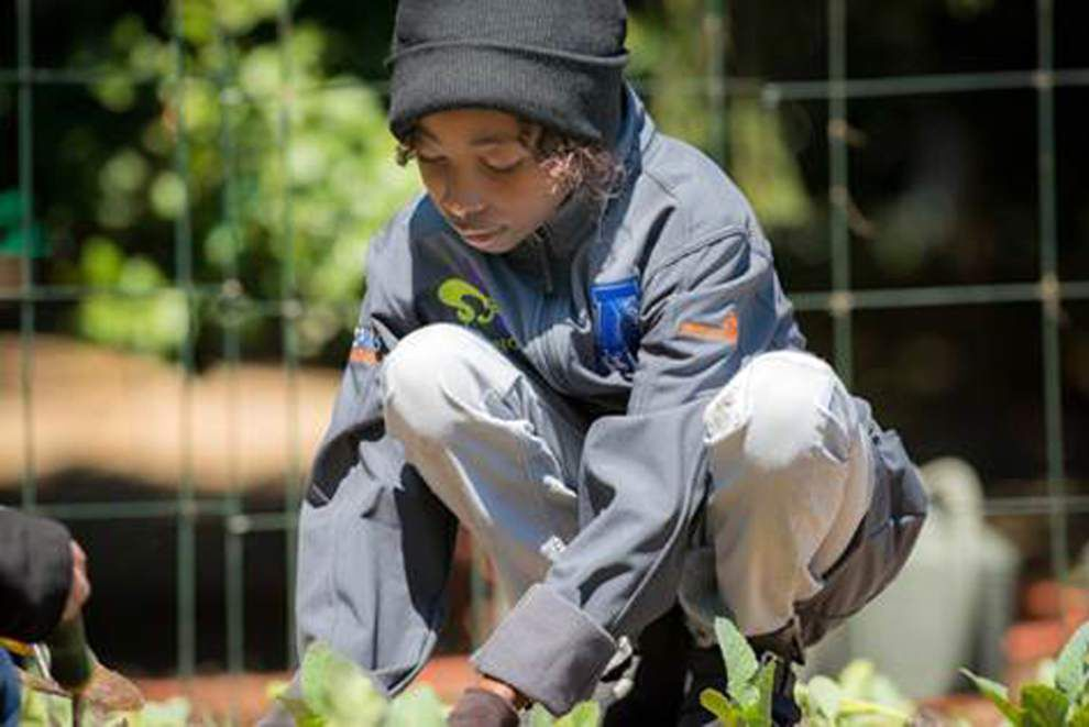 New Orleans student gardeners help out at White House _lowres