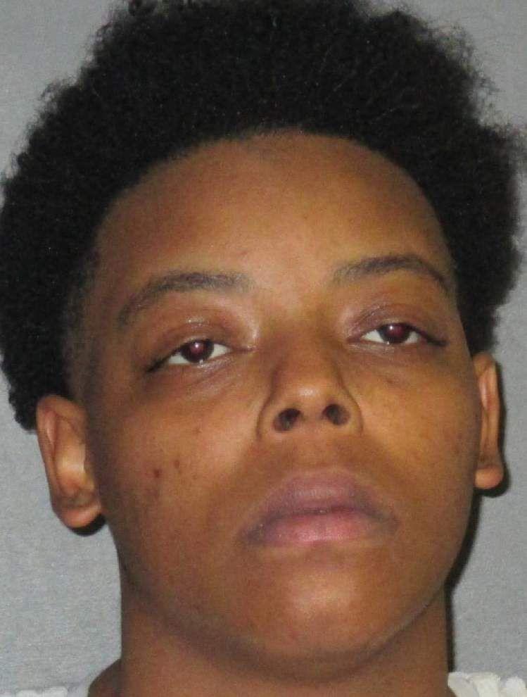 Baton Rouge woman accused of cyberstalking, posting nude photos of victim on Facebook _lowres