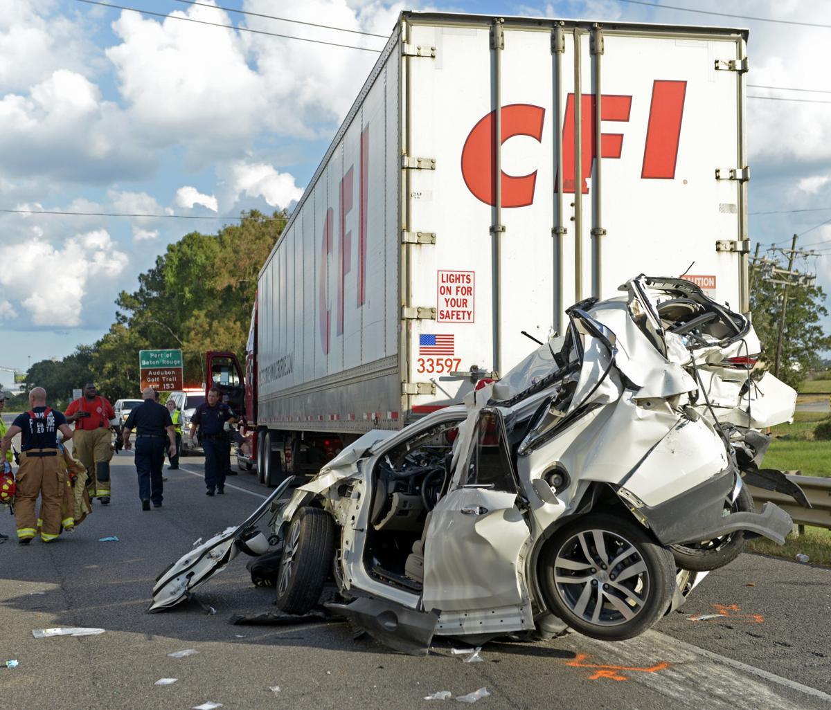 Multiple injured in major I-10 crash involving two 18