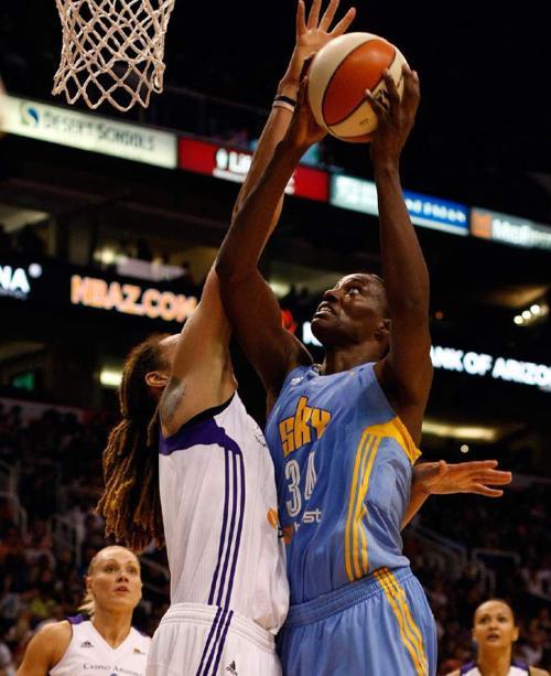 Candice DuPree, Brittney Griner lead Mercury past Sky in WNBA Finals _lowres