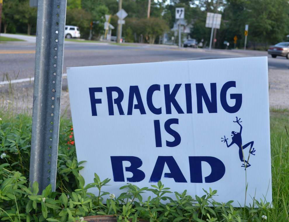 Suit filed to block fracking as drillers seek permit _lowres