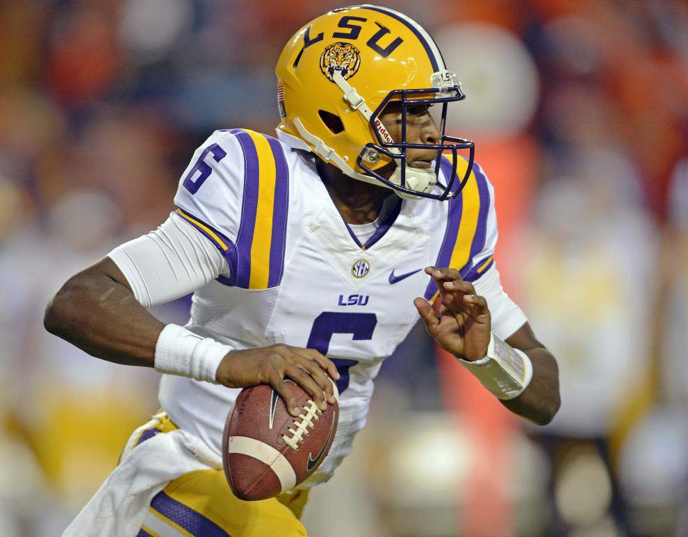 After Brandon Harris' struggles at Auburn, LSU's quarterback concerns come charging back _lowres