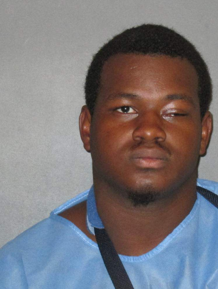 Father confronts, shoots suspected burglar _lowres