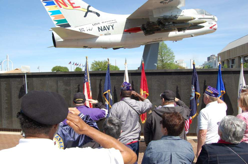 Vietnam Vets get overdue welcome home at USS KIDD event _lowres