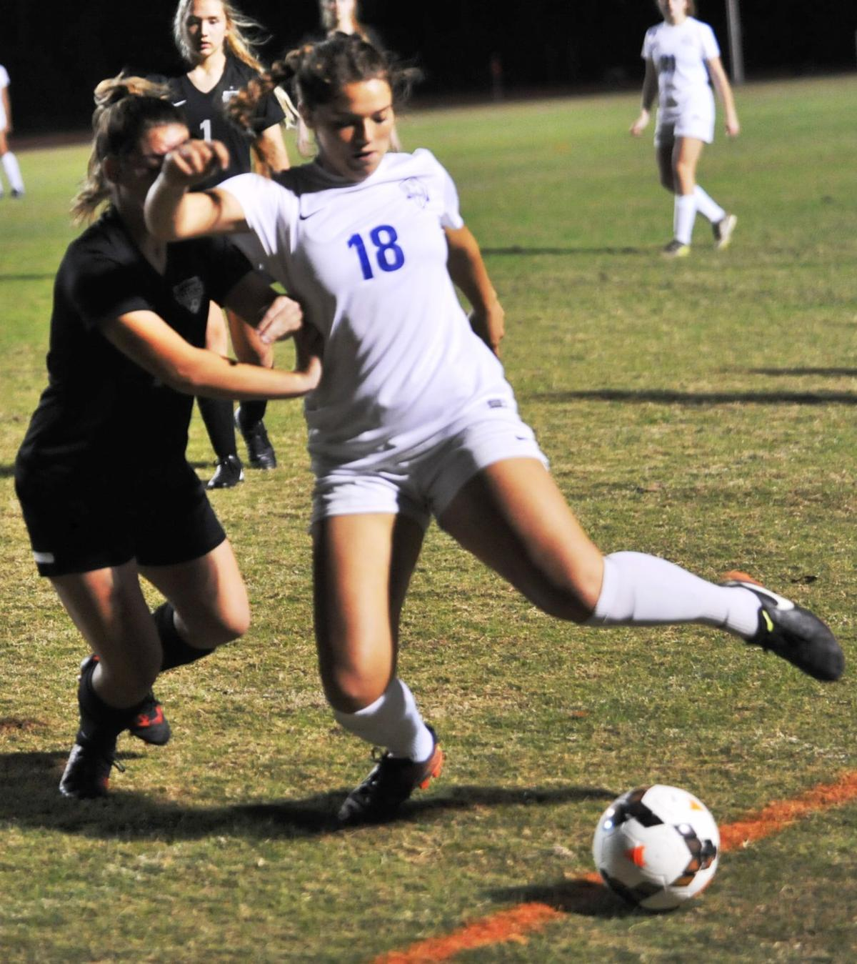 Lakeshore-Mandeville Girl Soccer Picture