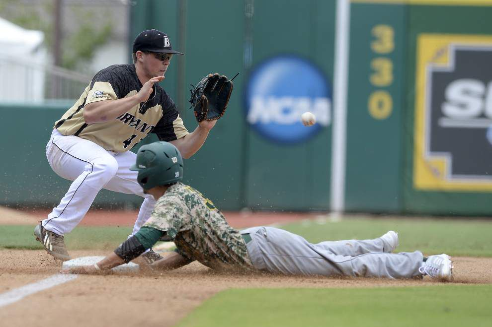 Take your base! Southeastern walks, steals, gets hit by pitches and gets on base — all by design _lowres