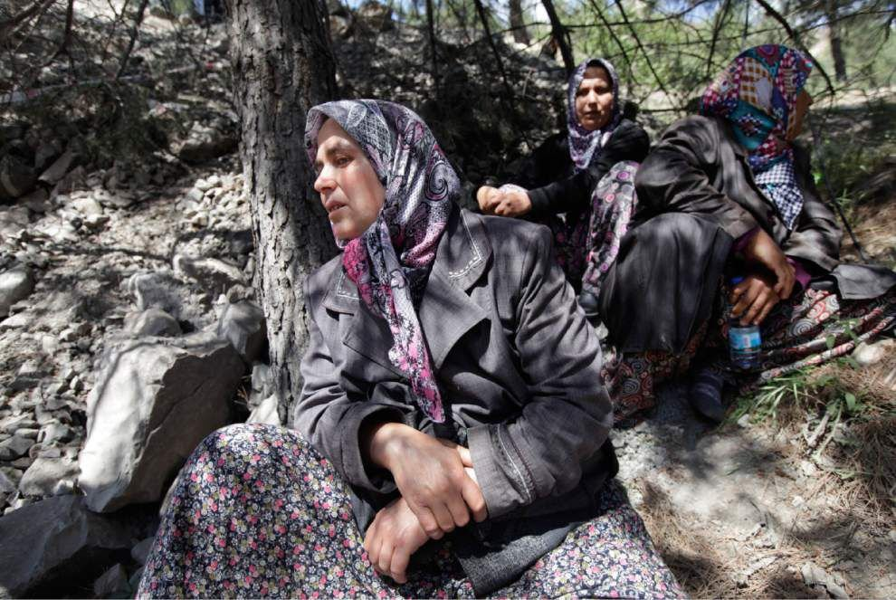 Turkish coal mine deaths rise to 282 _lowres