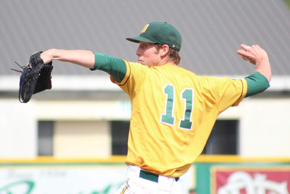 Delgado makes its third straight trip to Junior College World Series after 11-4 win over Maple Woods in South Central District title game _lowres