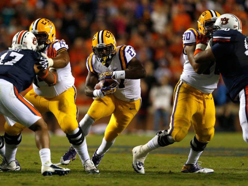No. 5 Auburn defeats No. 15 LSU 41-7 _lowres