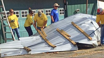 Hurricane_Volunteers_Cleanup_after____Hurricane_Michael