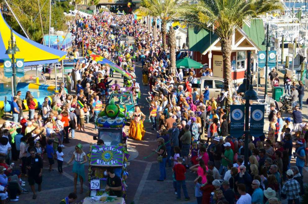 Gulf towns offer a peaceful version of Carnival _lowres