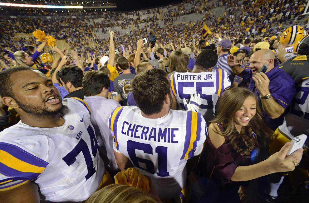 LSU left guard Vadal Alexander out for game against Arkansas _lowres