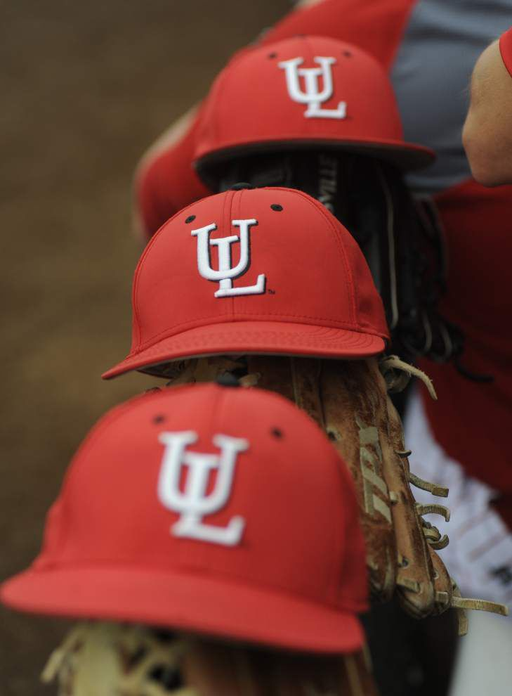 A wild one: In season opener, Cajuns baseball squad tops Sam Houston State 2-1 in 10 innings on wild pitch _lowres