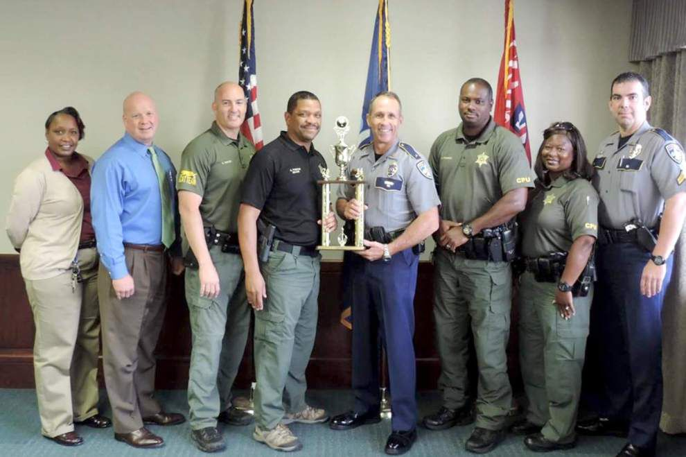 Baton Rouge police are tops in blood drive _lowres