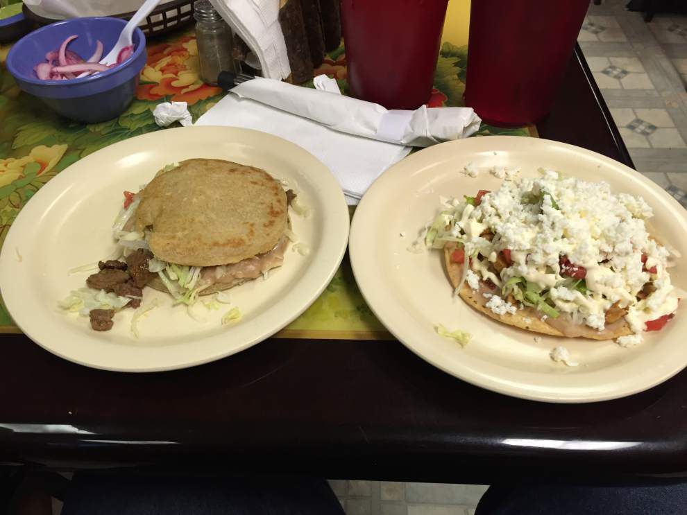 Review: Tiny La Mexicana is big on flavor _lowres