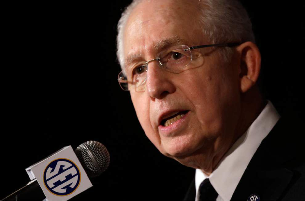 SEC's Mike Slive expects autonomy to be hot topic at meeting _lowres