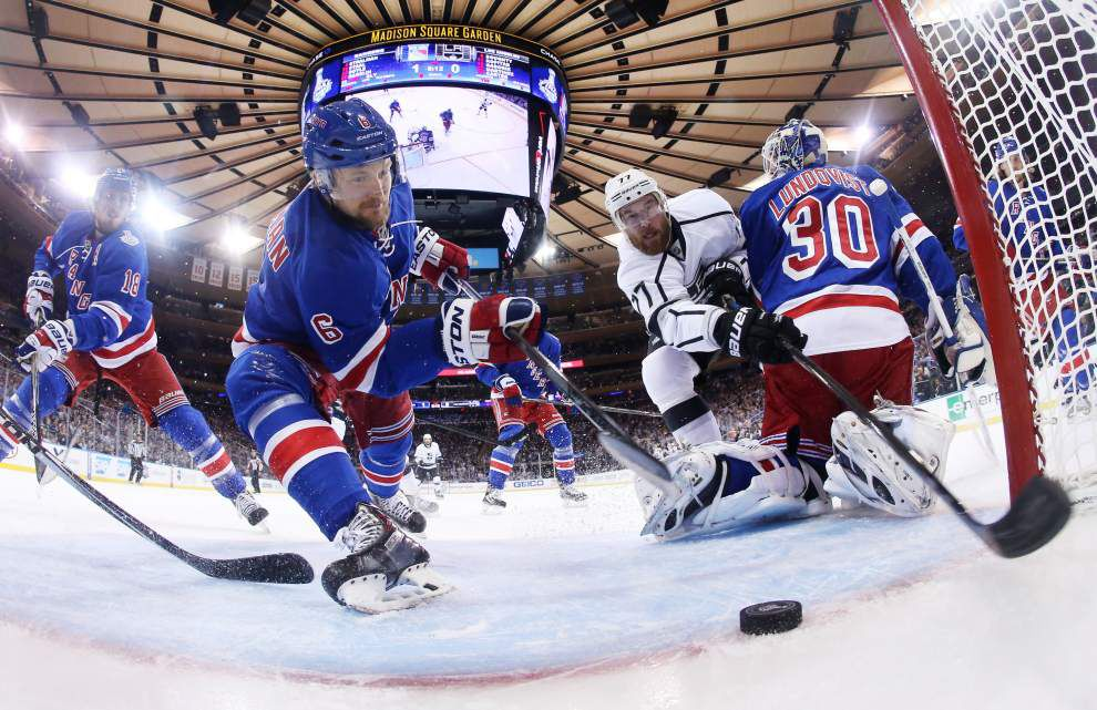 Rangers beat Kings 2-1, stay alive in Stanley Cup finals _lowres