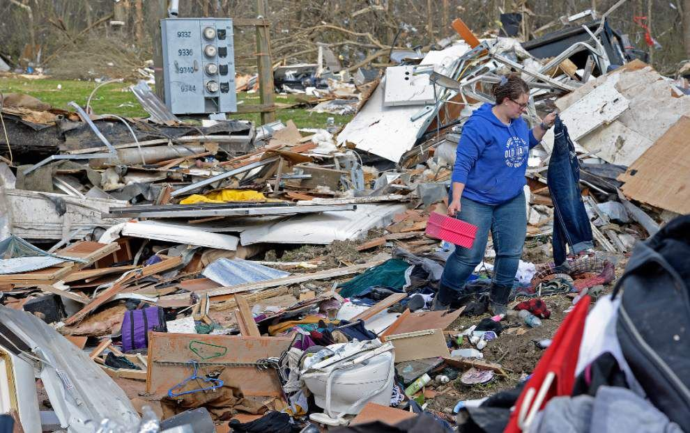 Inside Convent tornado: 135 mph winds, 1/3 mile-wide track, trailers tossed like Matchbox cars _lowres