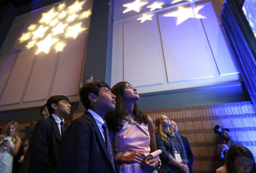 Bobby Jindal draws about 1,000 at presidential rally, promises to 'rock the boat' _lowres