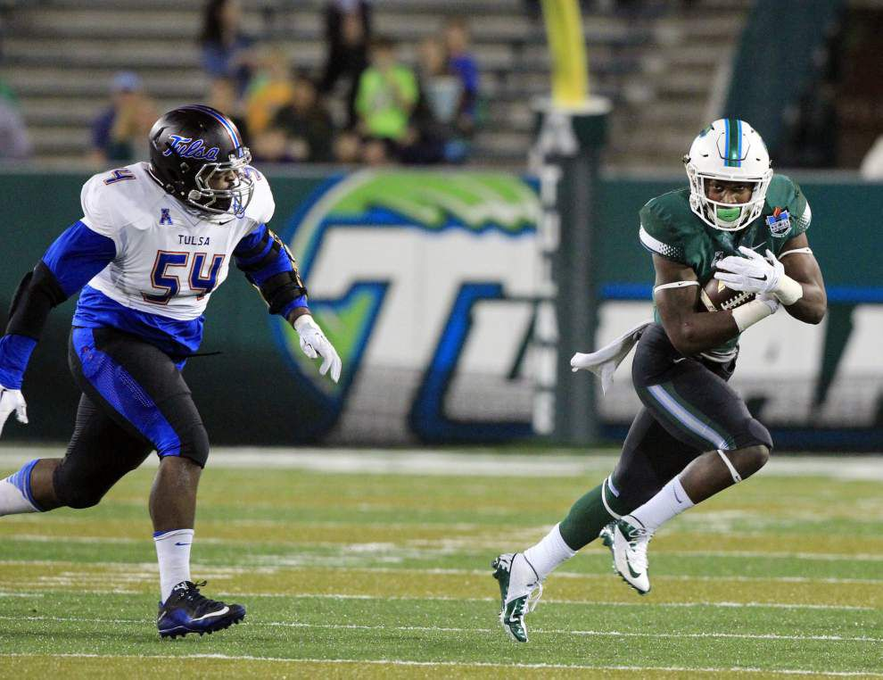 Tulane plays for pride — and plays with pride — in season finale _lowres