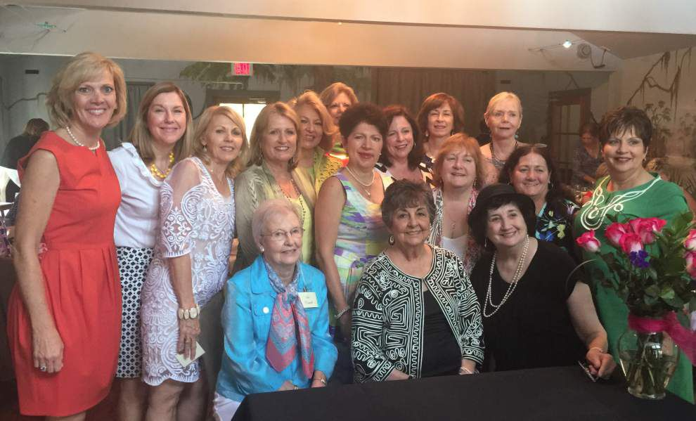 Le Cotillion welcomes eight new members _lowres