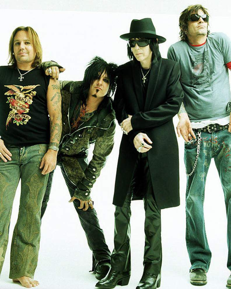 Mötley Crüe says this tour is 'definitely, for real' its last _lowres