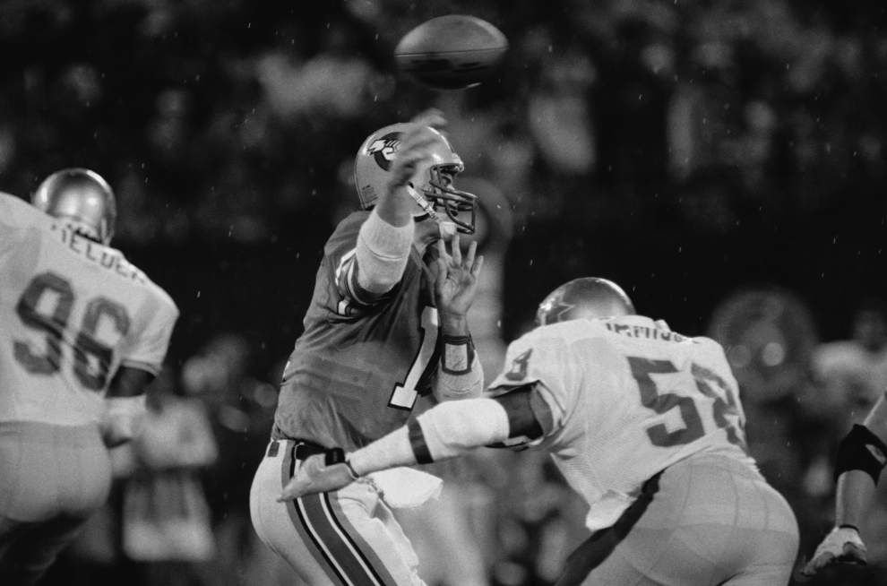 Thirty years ago this week, Bobby Hebert and Jim Mora squared off in the USFL's last hurrah _lowres