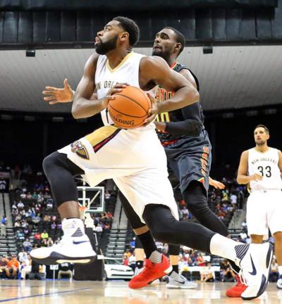 Pelicans guard Tyreke Evans could miss six to eight weeks after knee surgery _lowres