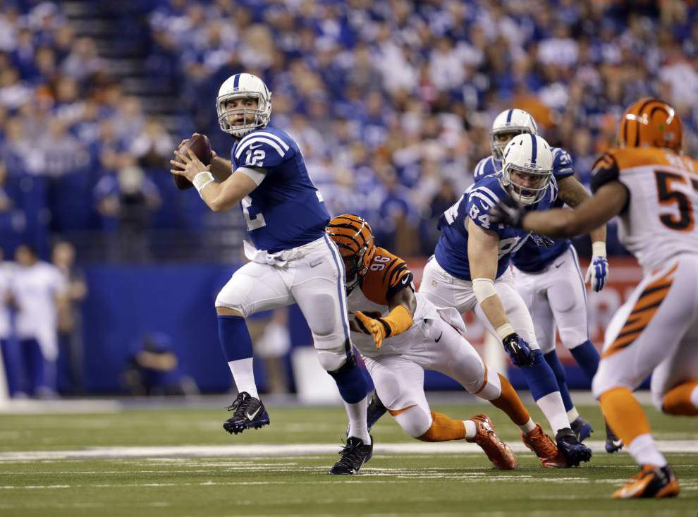 Andrew Luck, Colts topple Bengals _lowres