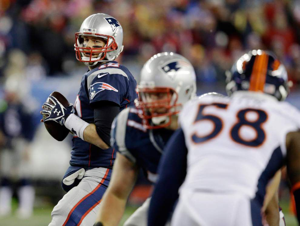 Tom Brady outduels Peyton Manning as Patriots notch best record in AFC _lowres