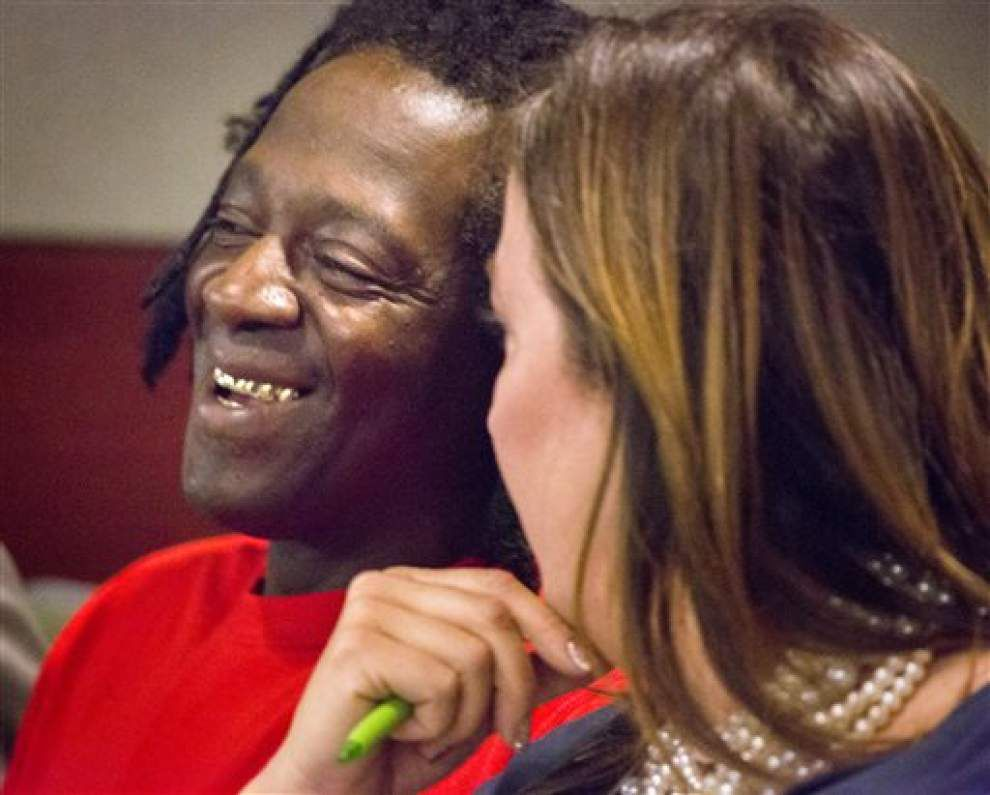Flavor Flav taking plea deal in Vegas battery case _lowres