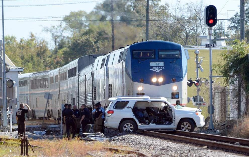 Breaux Bridge man injured after Amtrak passenger train strikes vehicle in Lafayette _lowres
