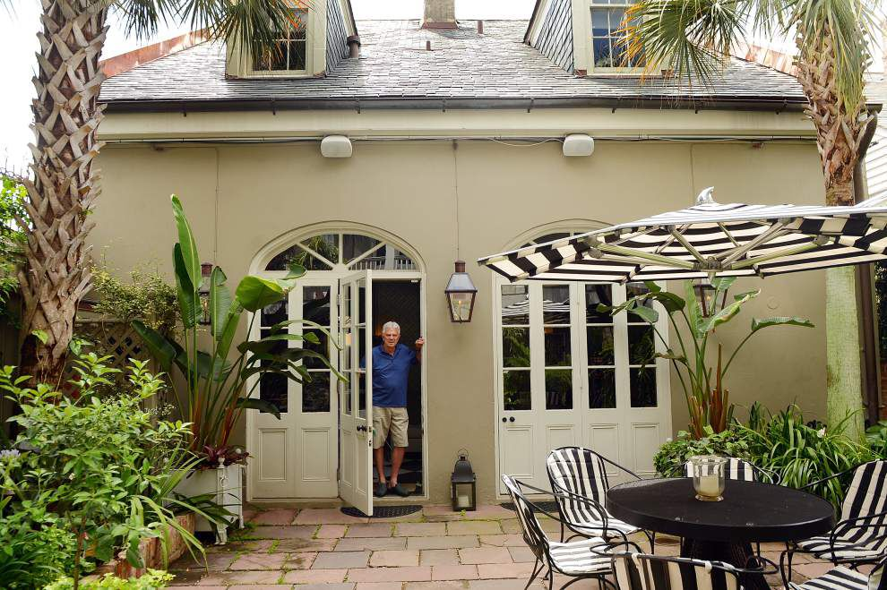Peter Rogers wanted a 'Tennessee Williams tropical' courtyard _lowres