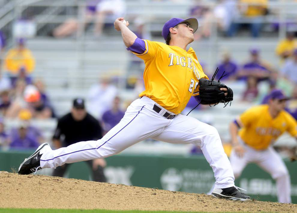 LSU baseball, football chat with Advocate sportswriter Ross Dellenger, Tuesday at 11 a.m. _lowres