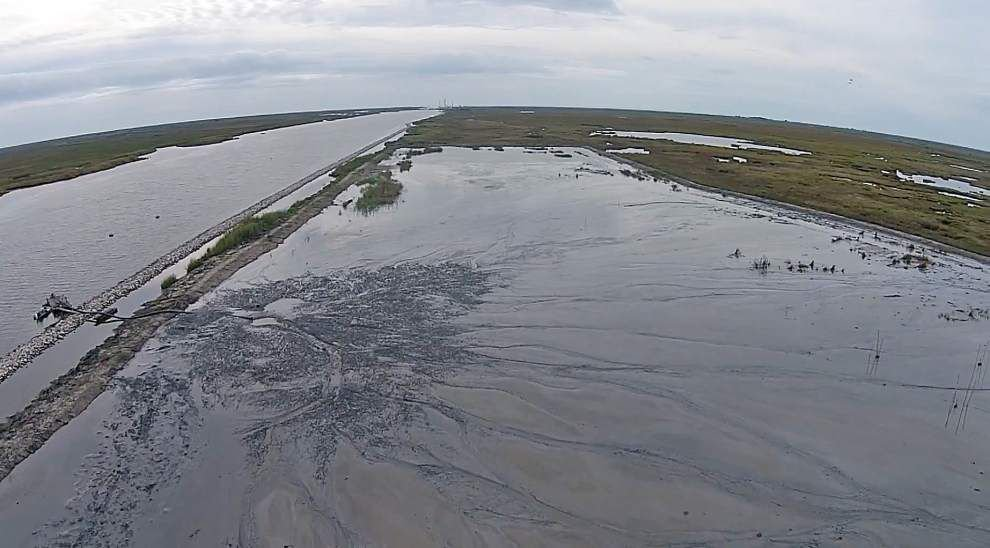 Vermilion coastal projects focus on objectives that restore shorelines and lost marsh _lowres