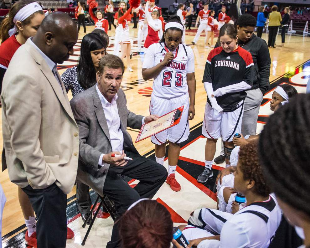 Back in Earl K. Long Gym, Cajuns women eye another meaningful memory in WBI matchup with Stetson _lowres