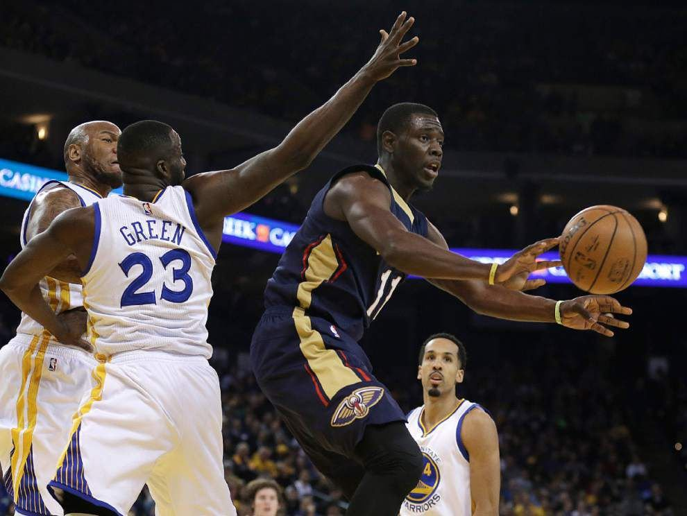 Pelicans fall 125-107 at Warriors as Stephen Curry celebrates his 28th birthday with another win _lowres
