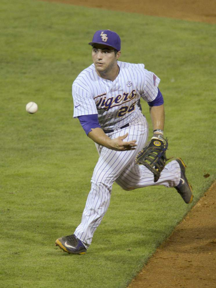 Jared Foster homers, turns spectacular double play as LSU beats Northwestern State 9-6 _lowres