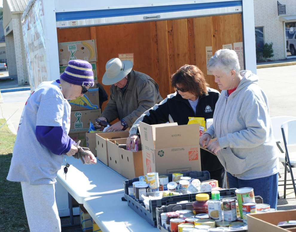 Gumbo sale warms hearts at food drive _lowres