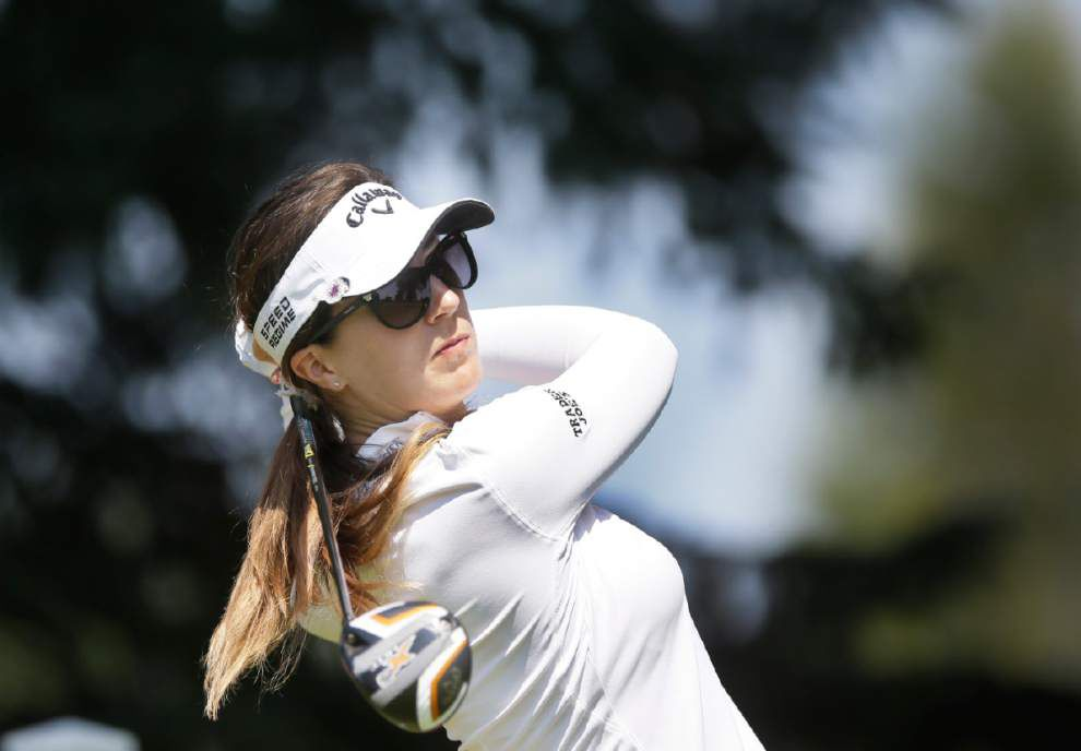 Gal fires first-round 65 for lead _lowres