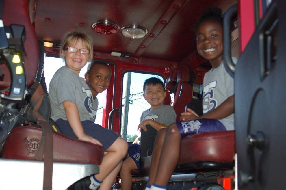 Kindergarteners pay a visit to firefighters _lowres