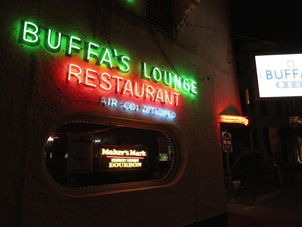 Esplanade bar, well-known neighbor spar over music _lowres