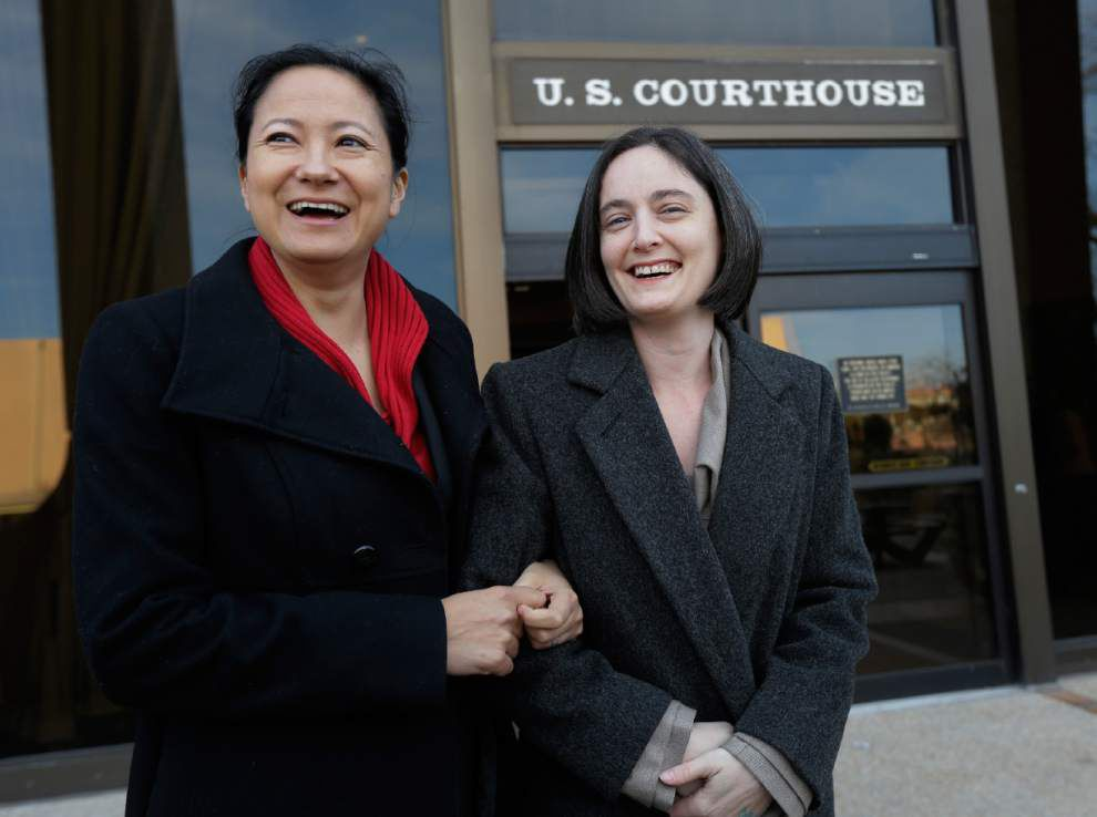 Federal judge strikes down Texas gay marriage ban _lowres