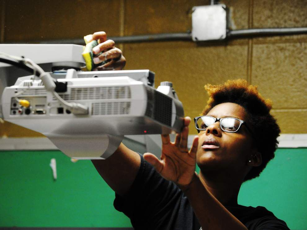 Photos: CC's Coffee school cleanup project at J.W. Faulk Elementary _lowres