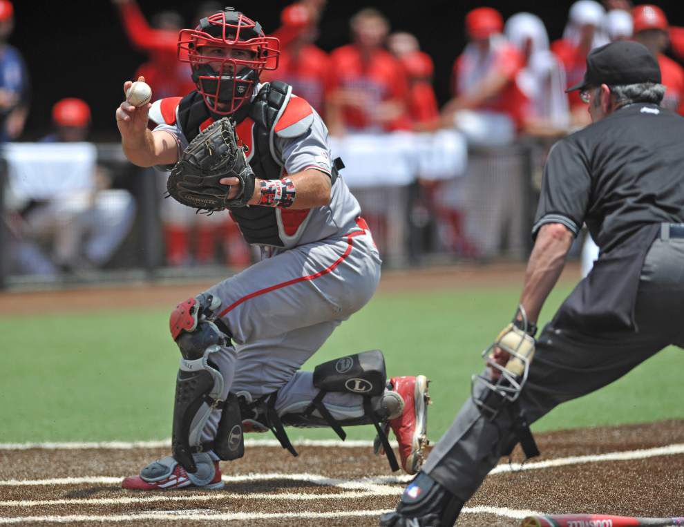 Arizona ends UL-Lafayette's baseball season with 3-1 victory to close out regional _lowres