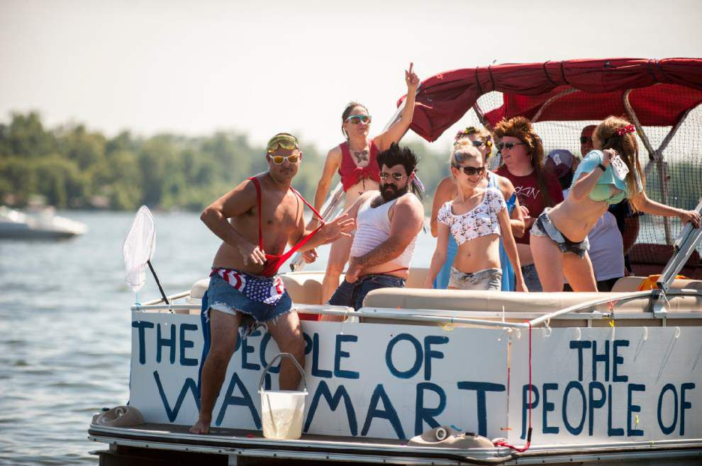 A day after Fourth, revelers flock to False River boat parade _lowres